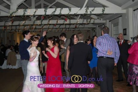 guests-dancing-in-quarry-bank-mill